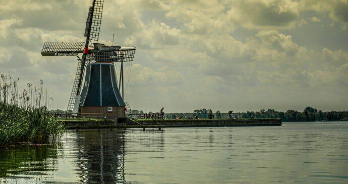 windmill-384579_1280
