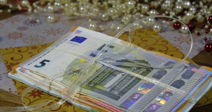 money-2991845_1280