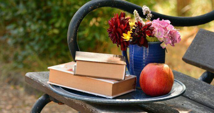 books-1578589_1280