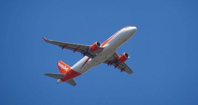 aircraft-1637856_1920