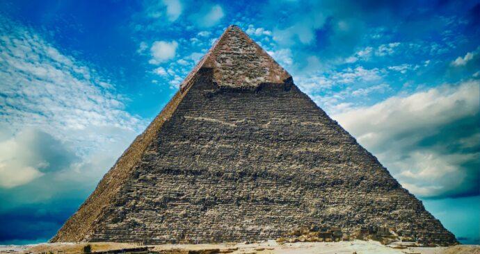 pyramid-2301471_1920