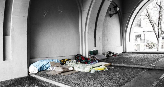 homeless-2090507_1920-1