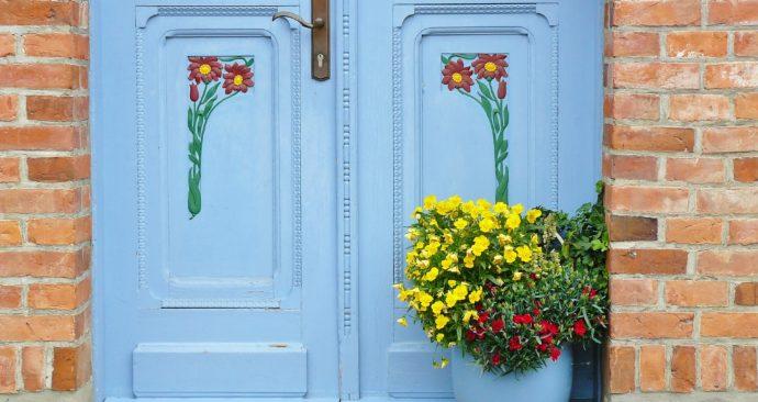 door-807058_1920