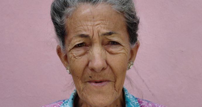 woman-1795054_19201