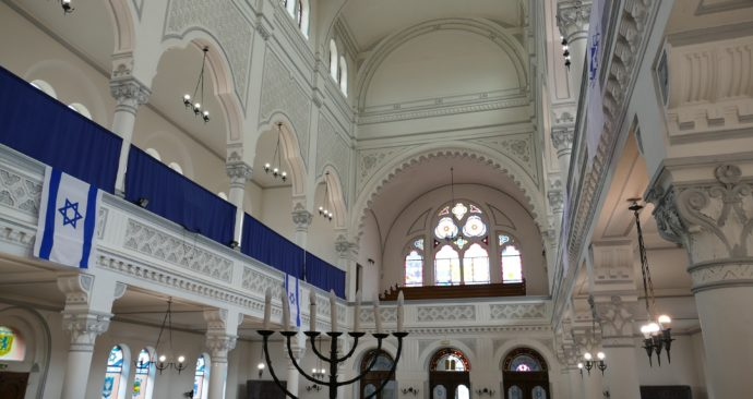 synagogue-3644262_1920
