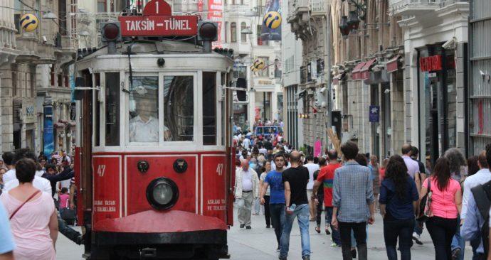 tram-1215368_1920