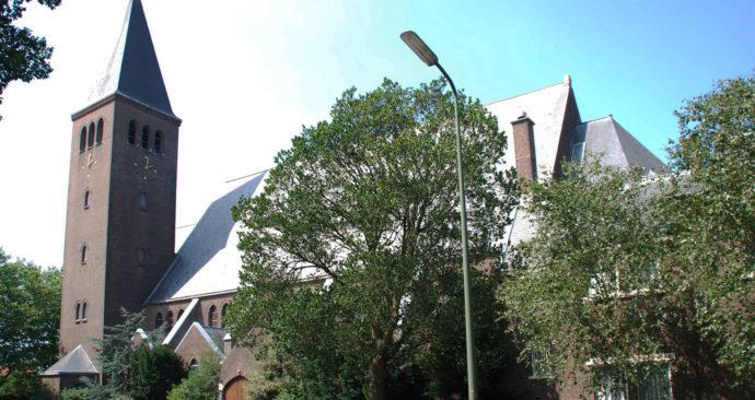 Sacramentskerk2DHaag-Wikipedia