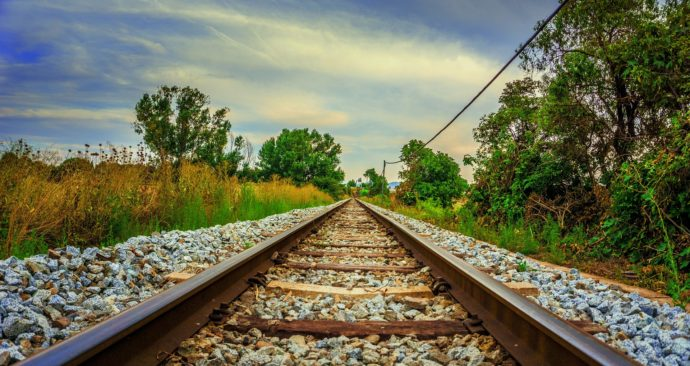 railway-3575846_1920