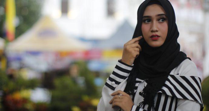 hijab-3575496_1920