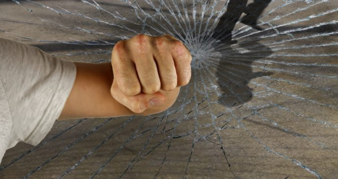violent-1166556_1920