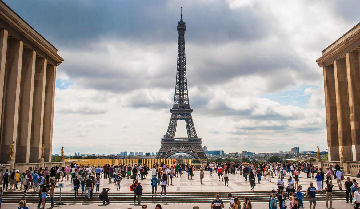 eiffel-tower-974997_1920