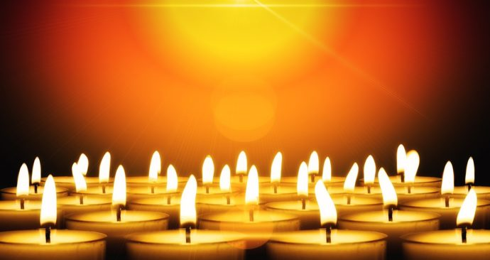 candles-2877148_1920