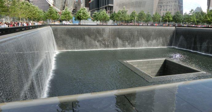 memorial-516092_1920