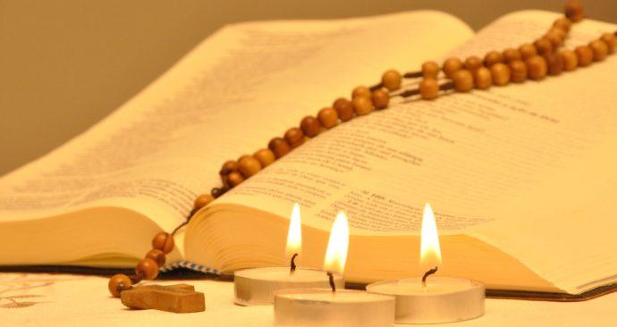 bible-642449_1920