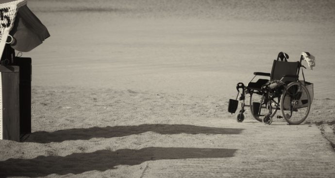 wheelchair-1327822_1920
