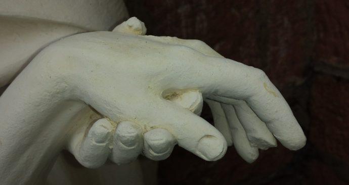 hand-447040_1920-1