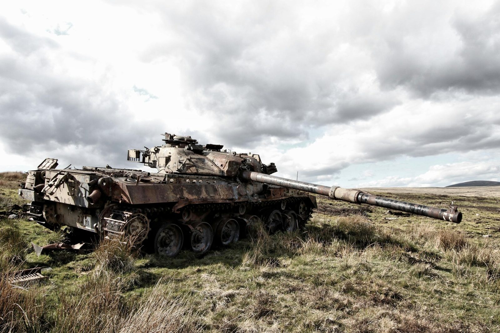tank-1063755_1920