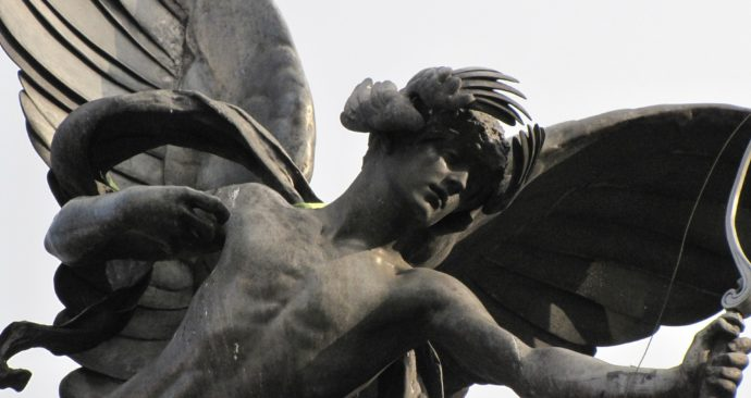 statue-142195_1920