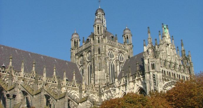 Sint-Jan-DEn-Bosch-Wikimedia-Commons