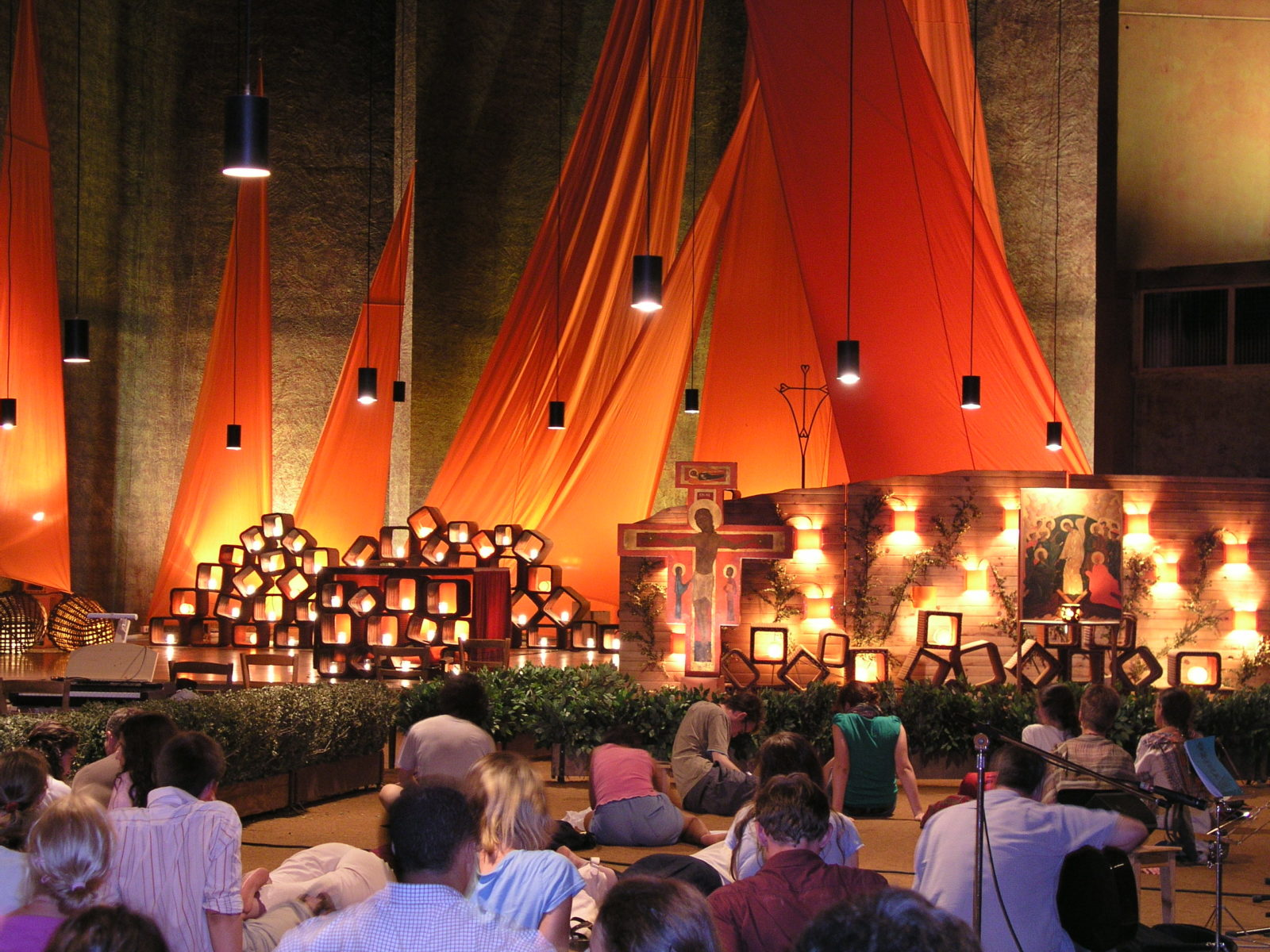 Taizé_prayer