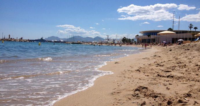 beach-1643435_1920