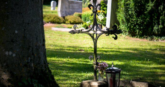 cemetery-1512486_1920
