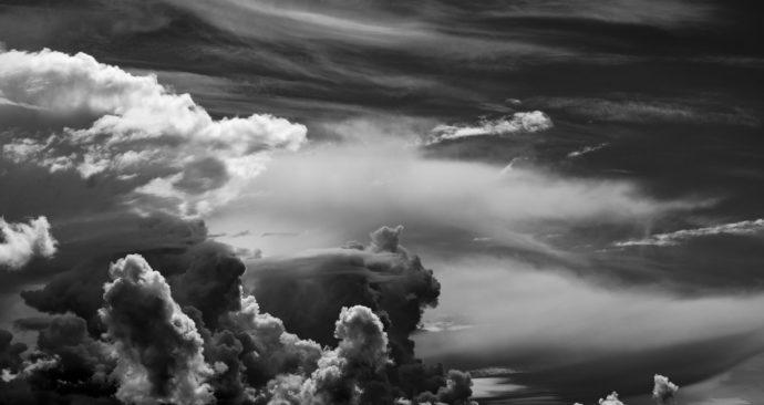 clouds-1621976_1920