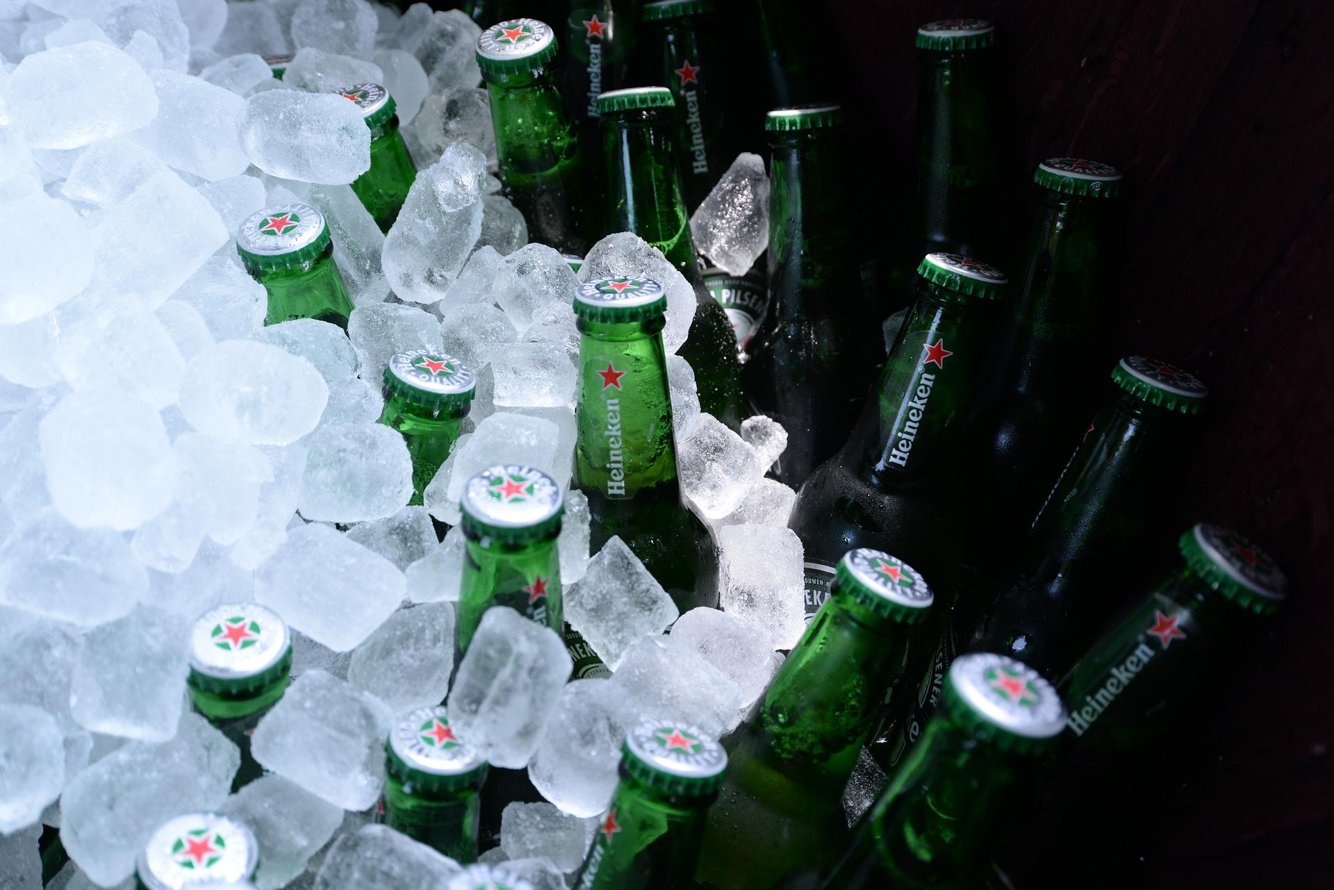 bottles-2609211_1920