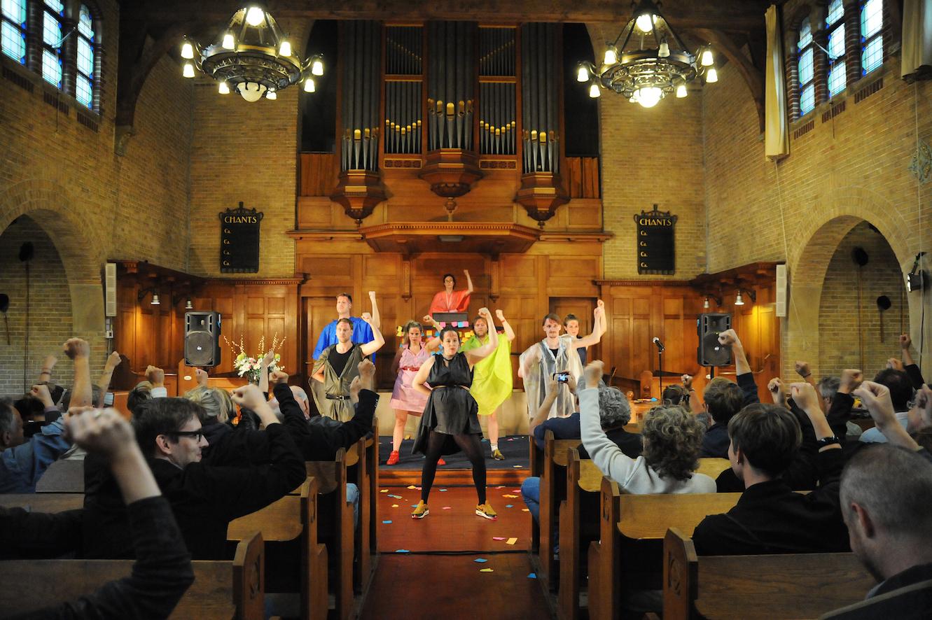 Vloeken-in-de-Kerk-©-Jan-Nass-l