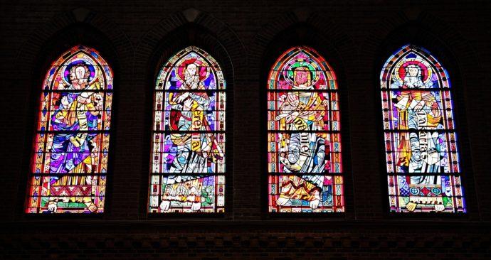 church-window-1843910_1920