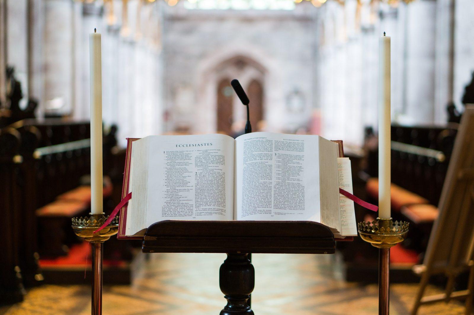 bible-1850905_1920