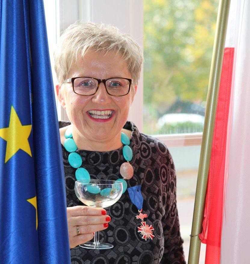 Bos-Karczewska-Ridderkruis-Ambasade-van-Polen-in-Den-Haag_-8-10-2015-fot.-Gerald-Van-Workum