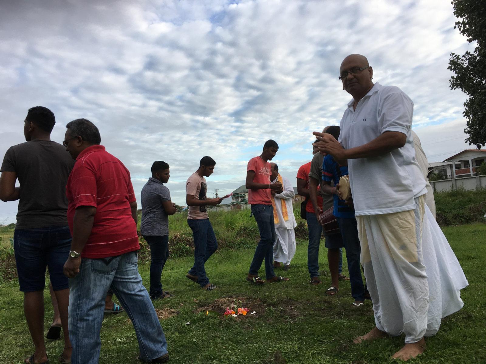 Radjes-Ashraf-en-hindoe-ceremonie-5
