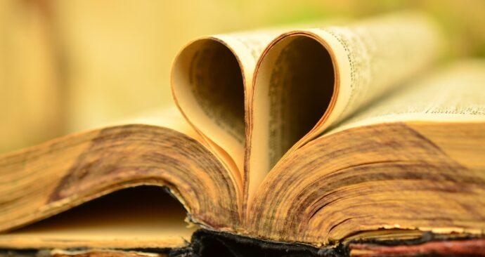 book-897834_1920