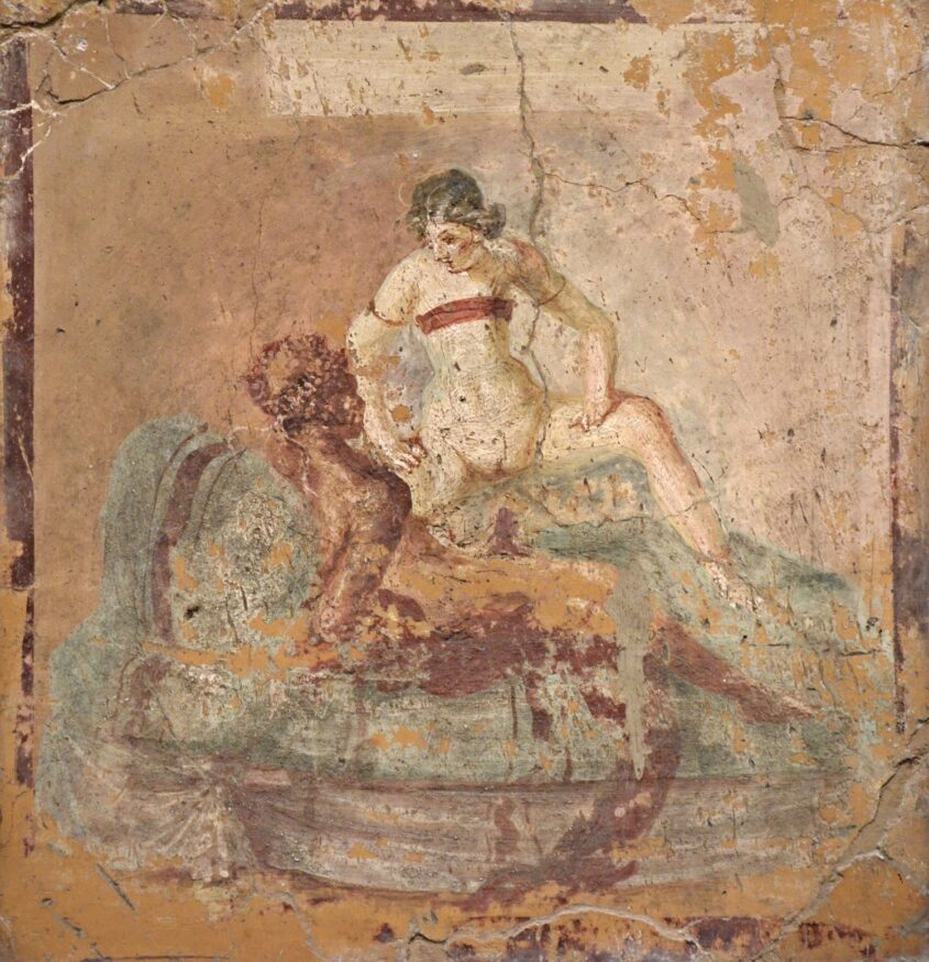 Pompei-Fragment_of_wall_painting_with_erotic_scene,_from_Pompeii,_Naples_National_Archaeological_Museum_(17297820526)
