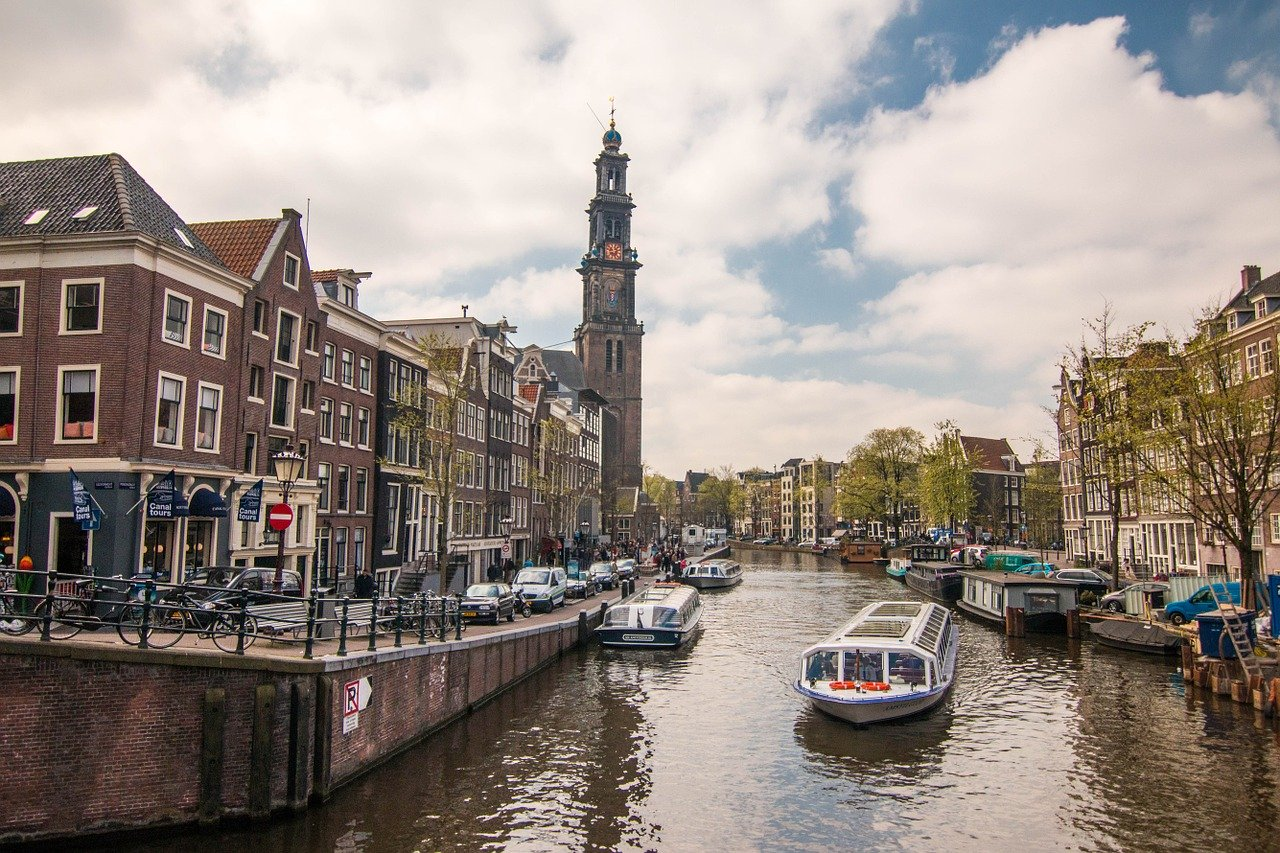 amsterdam-1089650_1280