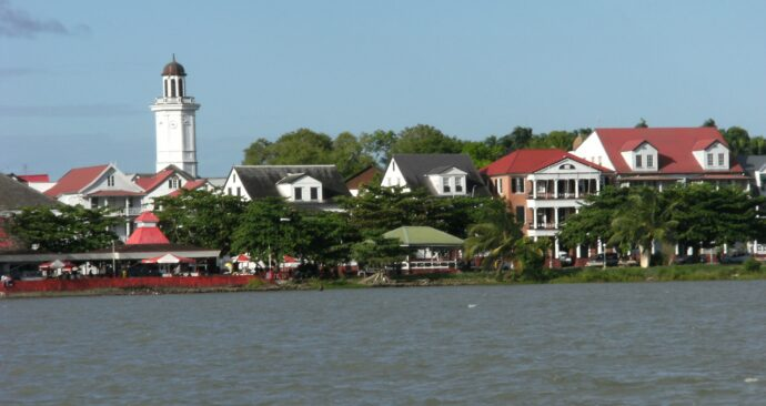 Waterkant_seen_from_Suriname_river Wikipedia