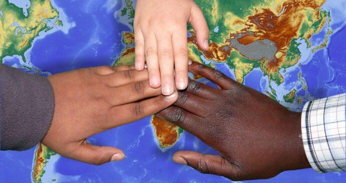 wereldkaart-handen